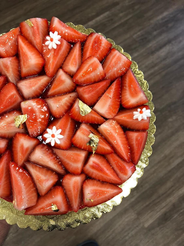 """9"""" Strawberry Cheesecake"""