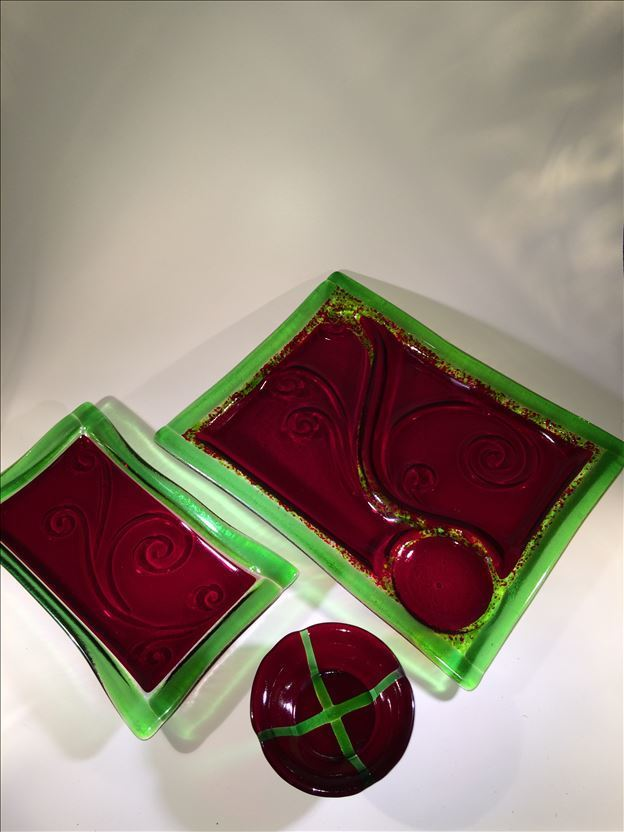 Red/Green Platter Set