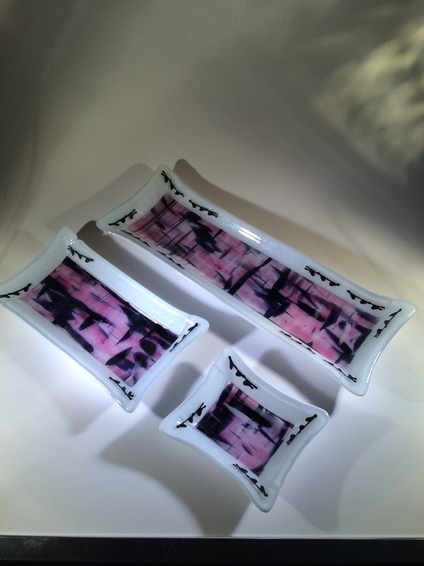 Pink/Black Tray Set