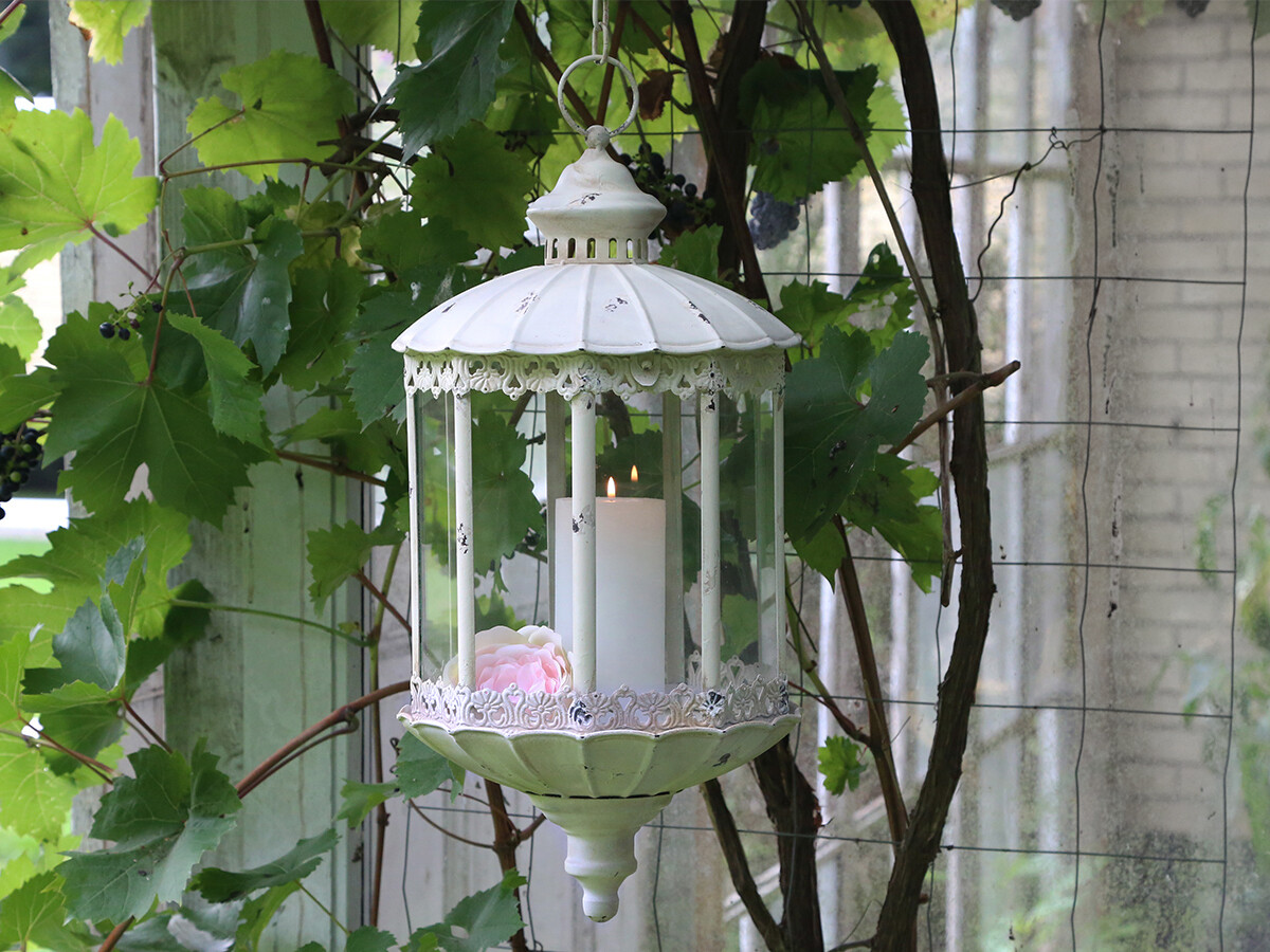 Stor lanterne m. kæde og blondekant
