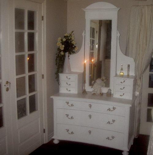 Antikt møbel m. spejl. H216B120D51