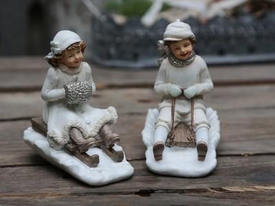 Vintage dreng & pige på kælk. Sæt af to / Chic Antique