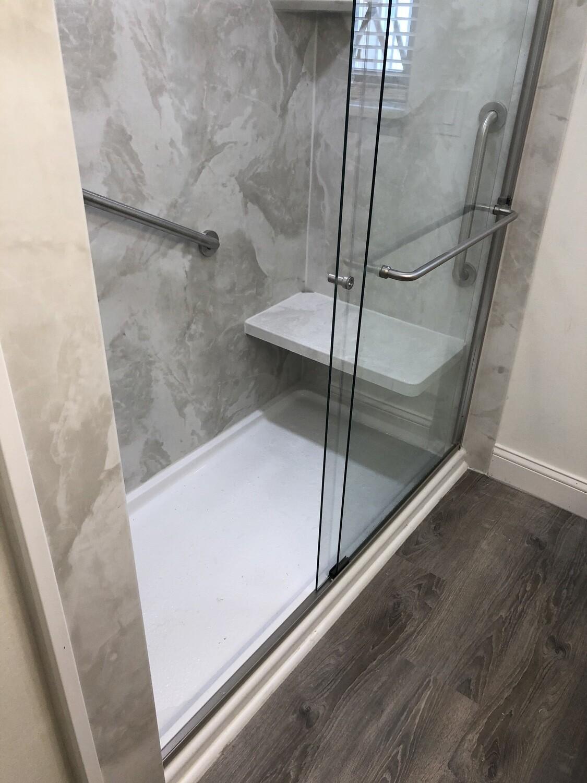 Tub / Shower Replacement Warren Michigan