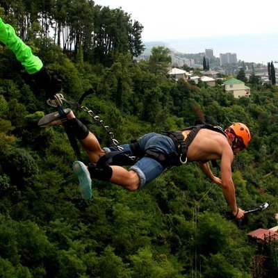 Банджи джампинг- прыжок с резинкой с 60 метрового автокрана!