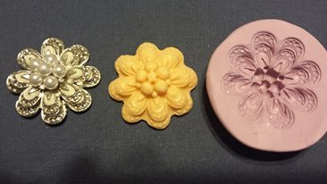 Raised Flower with Pearls Mold