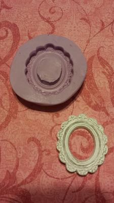 Mini Scalloped Frame Mold