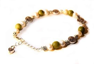 Freshwater Pearl & Faceted Connemara Bracelet