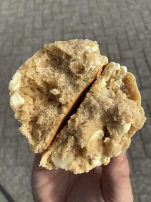 Macadamia/witte choco (pre-order)