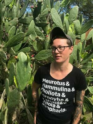 R1920 Cali Janae - Botany in a Nutshell
