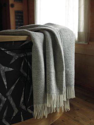 Norwegische Lammwoll Decke Røros Tweed Kattefot 140x220cm