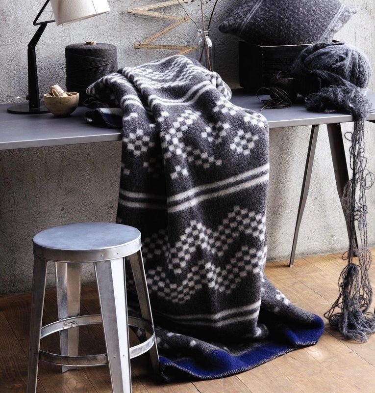 Norwegische Lammwoll Decke Røros Tweed Setesdal 135x200cm