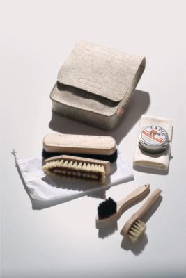 Schuhputztasche aus hochwertigem Filz inkl. Inhalt