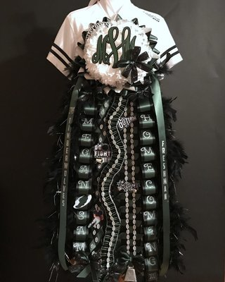 Deluxe Single Homecoming Mum