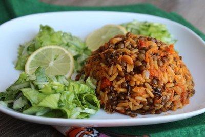Маджадара с весенним салатом