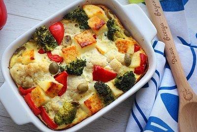 Фриттата с брокколи, цветной капустой  и адыгейским сыром