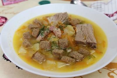 Гороховый суп со свиными ребрышками и копченой грудинкой (2-2,5 литра супа)