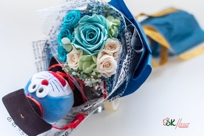 NEW JOURNEY - A GRADUATION DORAEMON WITH A PASTEL BLUE PRESERVED ROSE BOUQUET