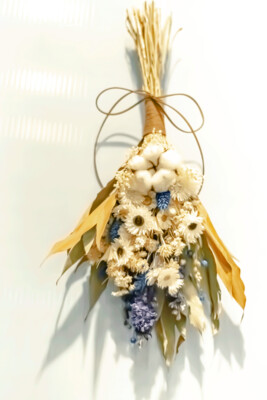 DRIED FLOWERS  HAND BOUQUET - WHITE & BLUE