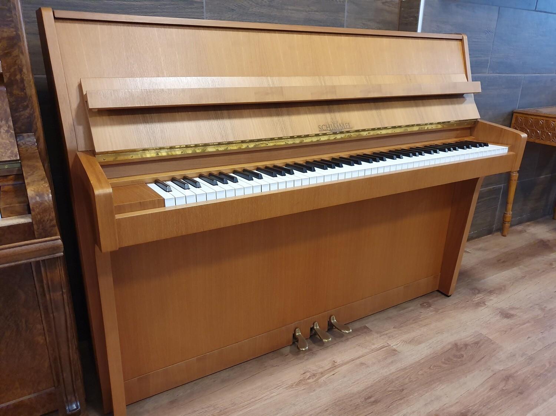 Klavier Schimmel, Mod. 108, Nussbaum natur