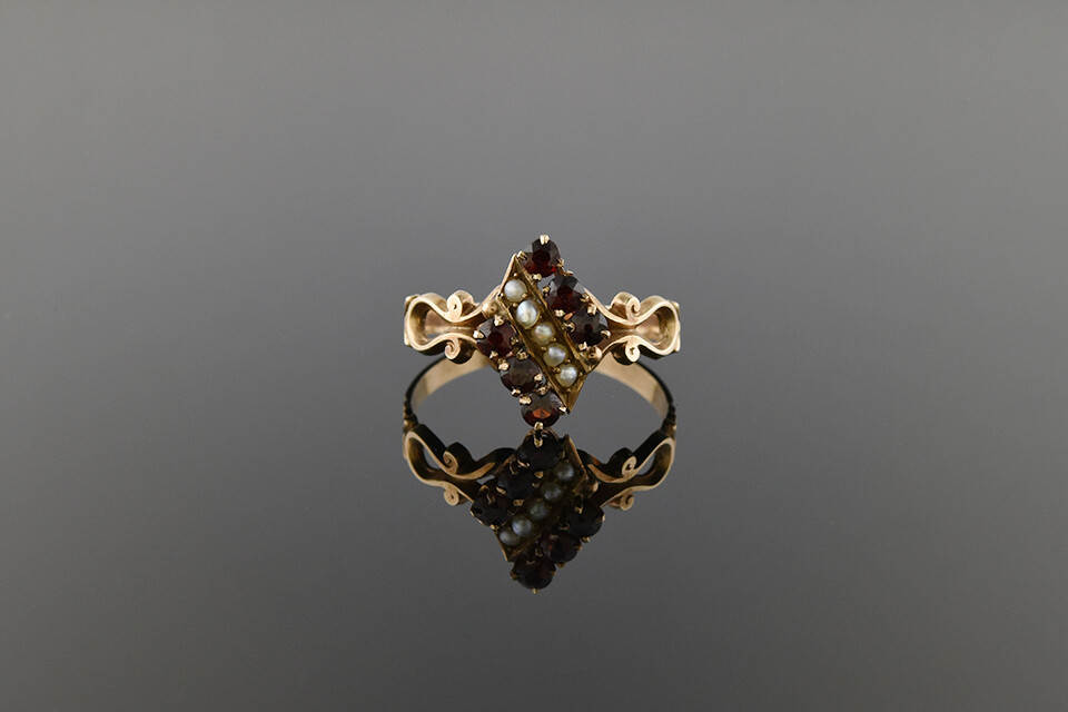 Early Victorian Garnet and Pearl Ring