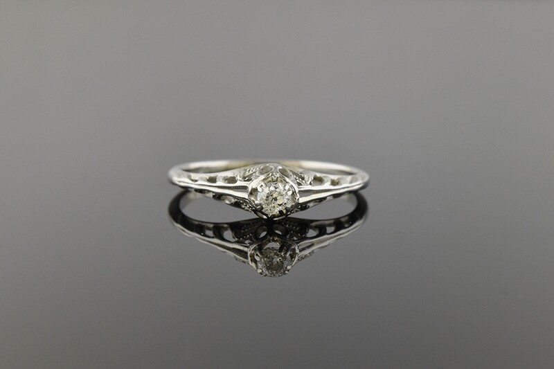 Darling Art Deco Diamond Ring