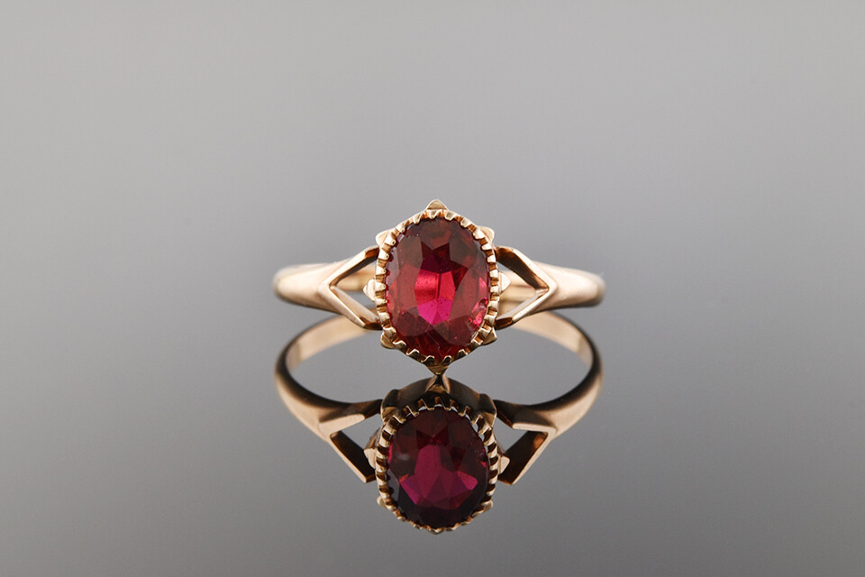 Petite Rosy Gold Solitaire