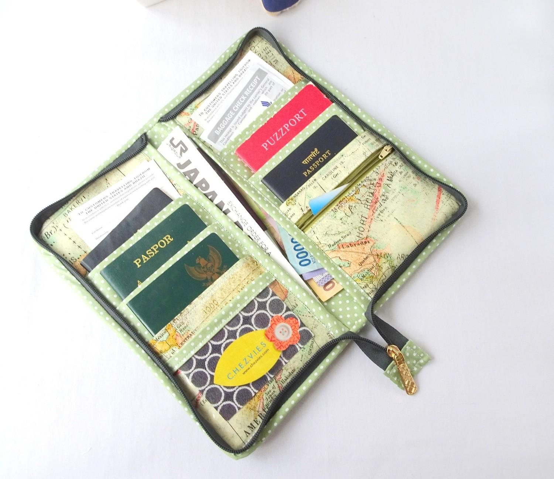 Zipper Around Family Travel Passport Holder for 6