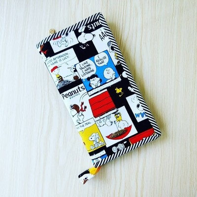 snoopy family passport holder for 6