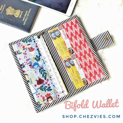 Handcrafted Bifold Wallet - Alice in Wonderland