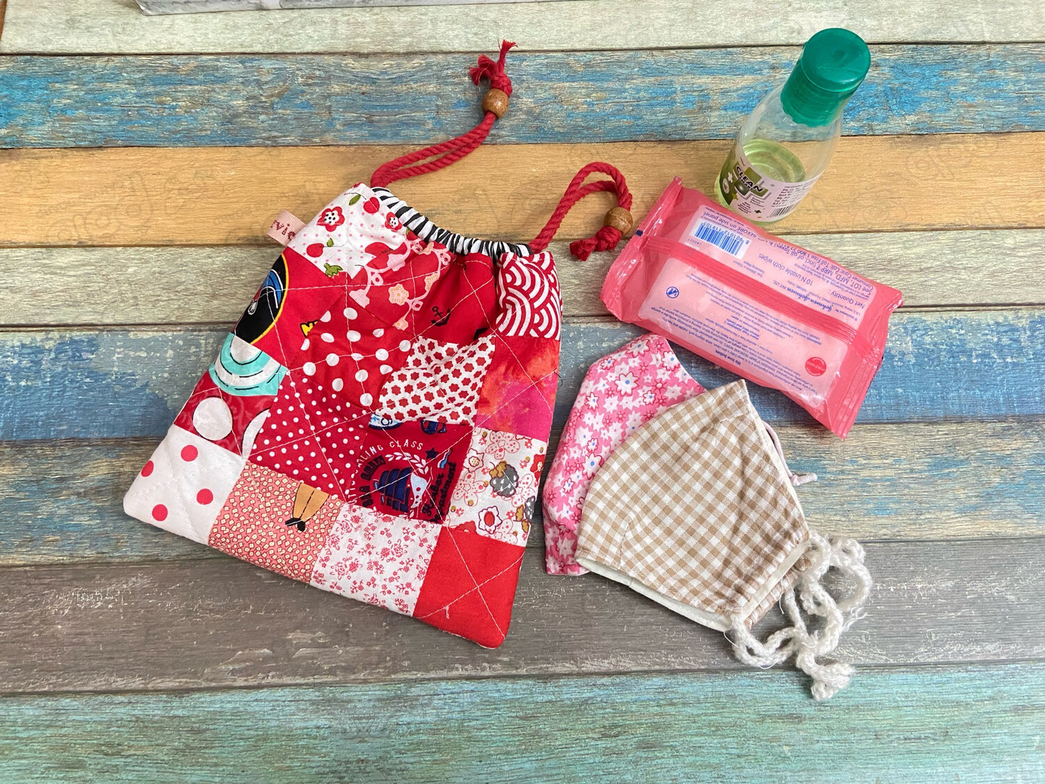 Small Quilted Drawstring Bag - Red