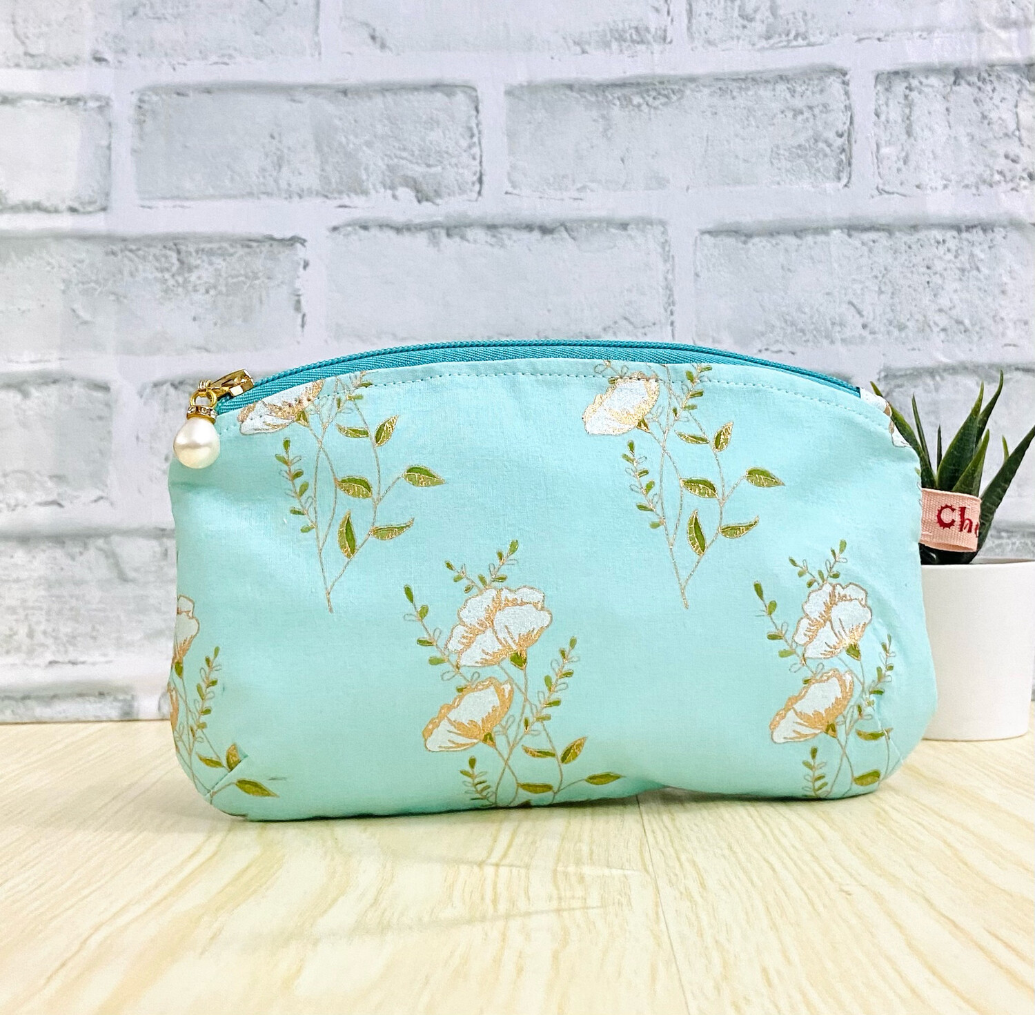 Pretty Floral Makeup Pouch - Mint Green