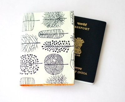Tree Print Basic Passport Cover