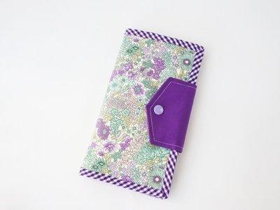 Handmade women's bifold wallet - purple flower
