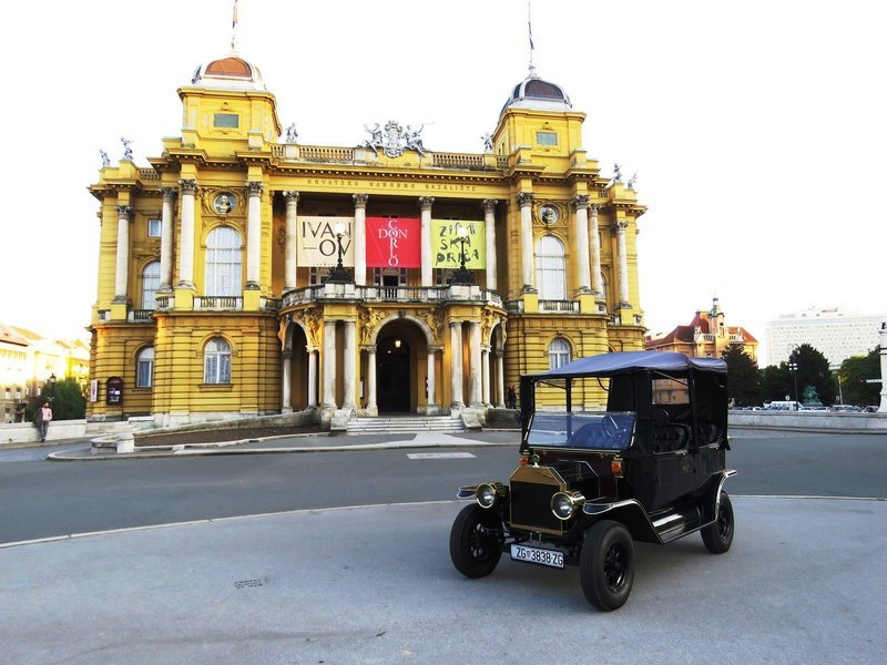 Old Zagreb LUXURY tour (1-4 osobe/persons; approx. 4 h tour)