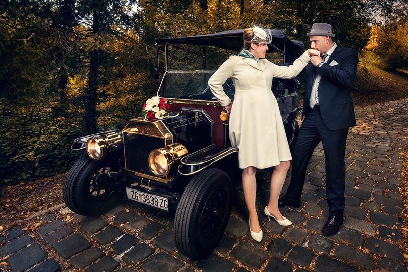 Privatne vožnje, vjenčanja i događanja/ Private drive, weddings and events (1-4 osobe/persons)
