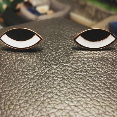 NEW!!! SINGLE (1 pin) • Roofus Eyeball Enamel Pin - Glows in ze darque!