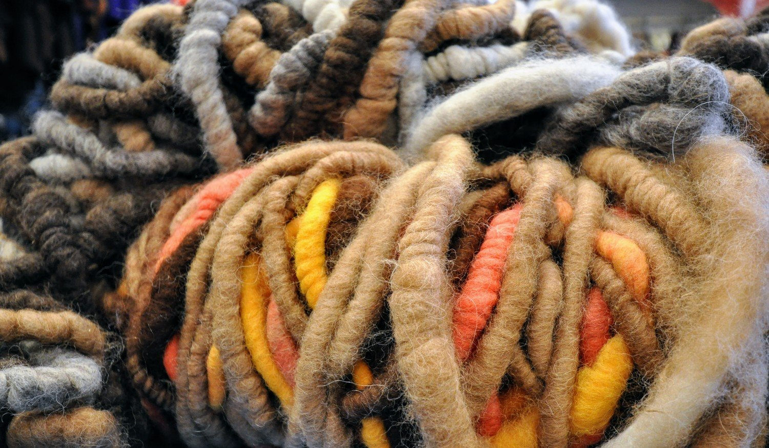 Breezy Hill Alpaca Rug Yarn - Variegated, Cream - Dk.Brown