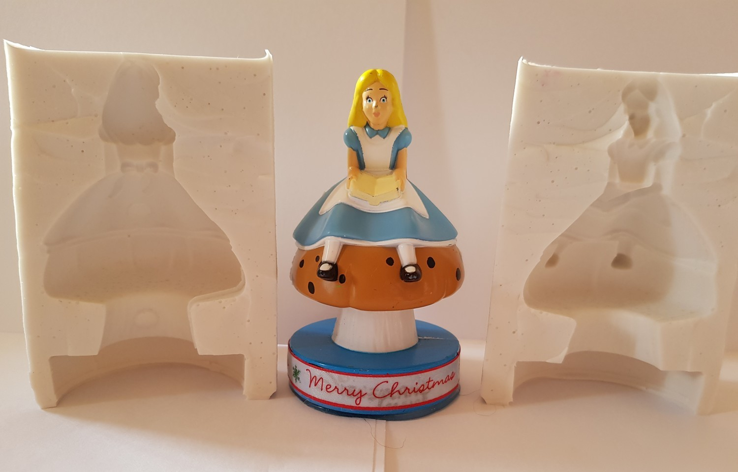 3D 8CM ALICE IN WONDERLAND SILICONE MOULD