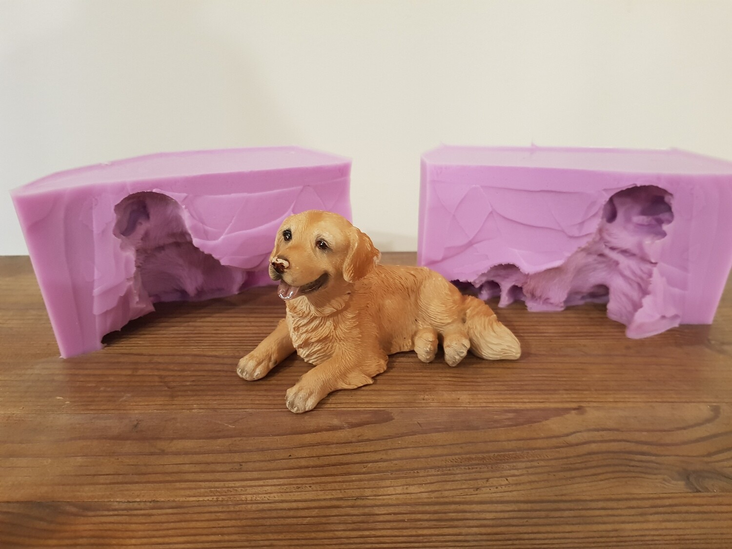3D LAYING LABRADOR SILICONE MOULD