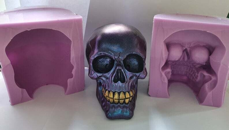 LARGE 3D PLAIN SKULL SILICONE MOULD