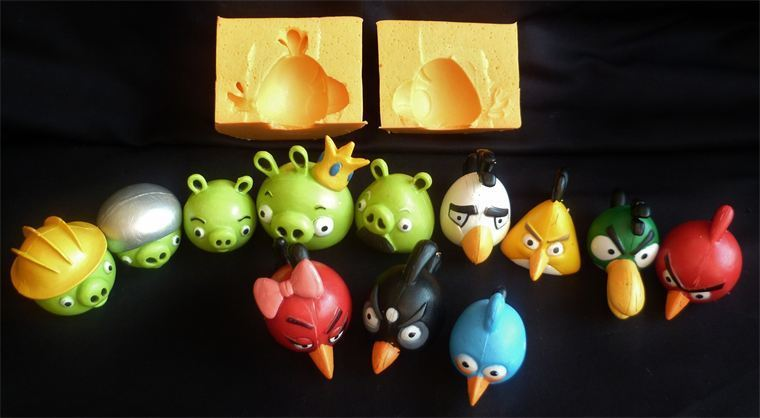 SET OF 12 ANGRY BIRDS AND PIGS 3D SILICONE MOULDS