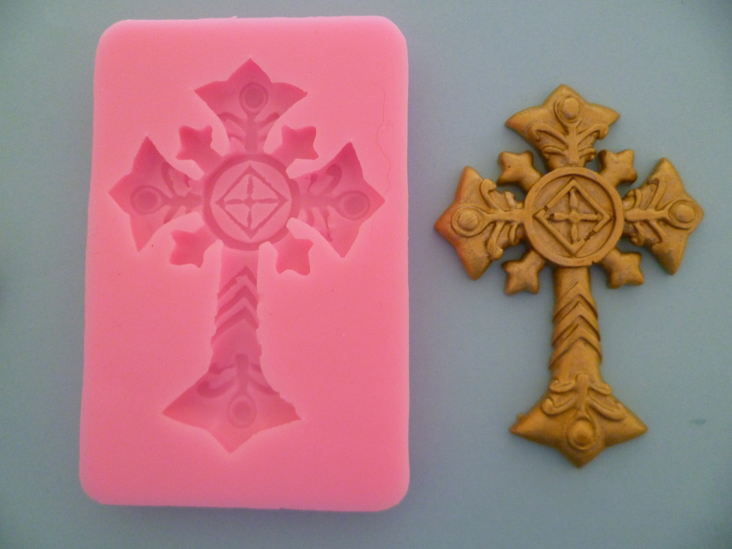ORNATE CROSS SILICONE MOULD