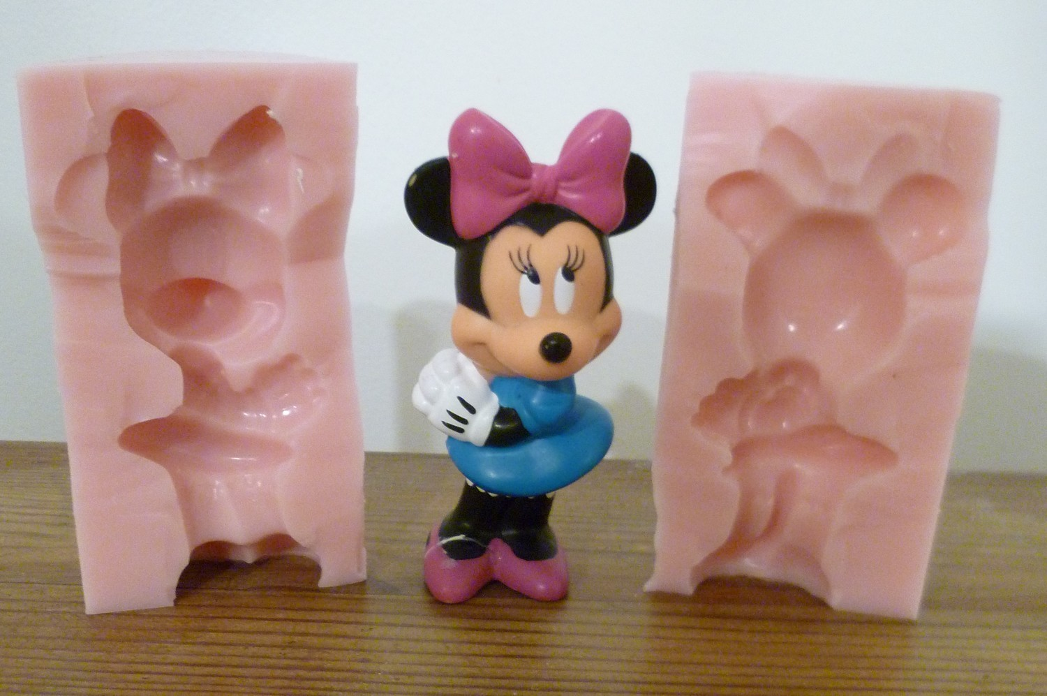 3D MEDIUM MINNIE MOUSE SILICONE MOULD