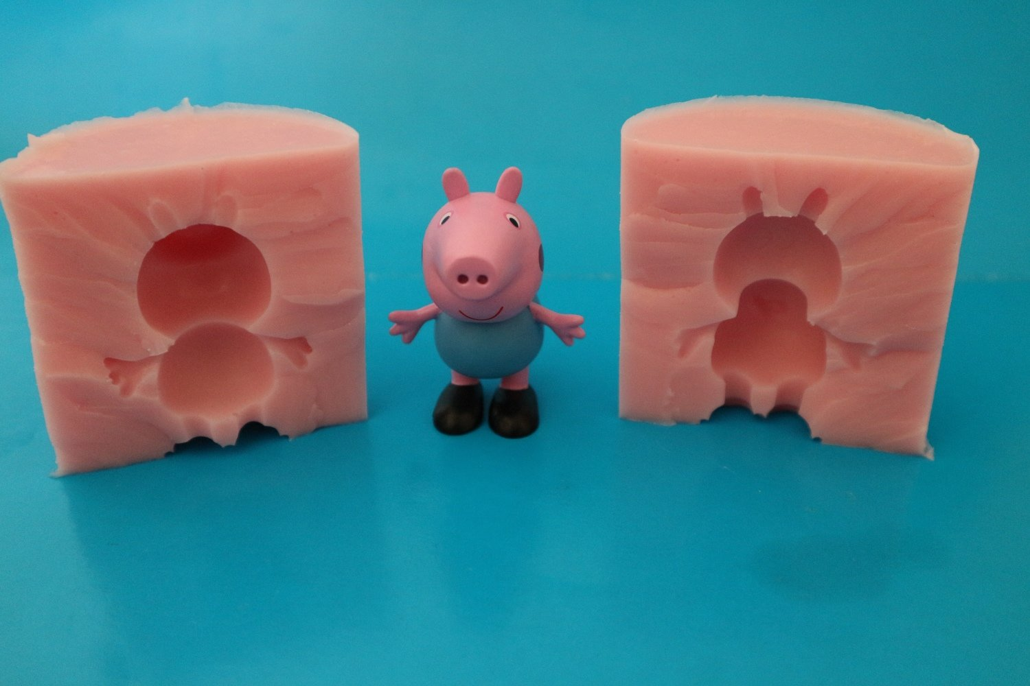3D GEORGE PIG 002 SILICONE MOULD