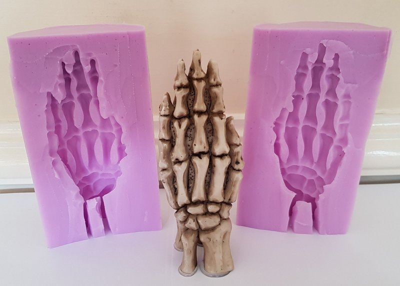 3D PRAYING SKELETON HANDS SILICONE MOULD