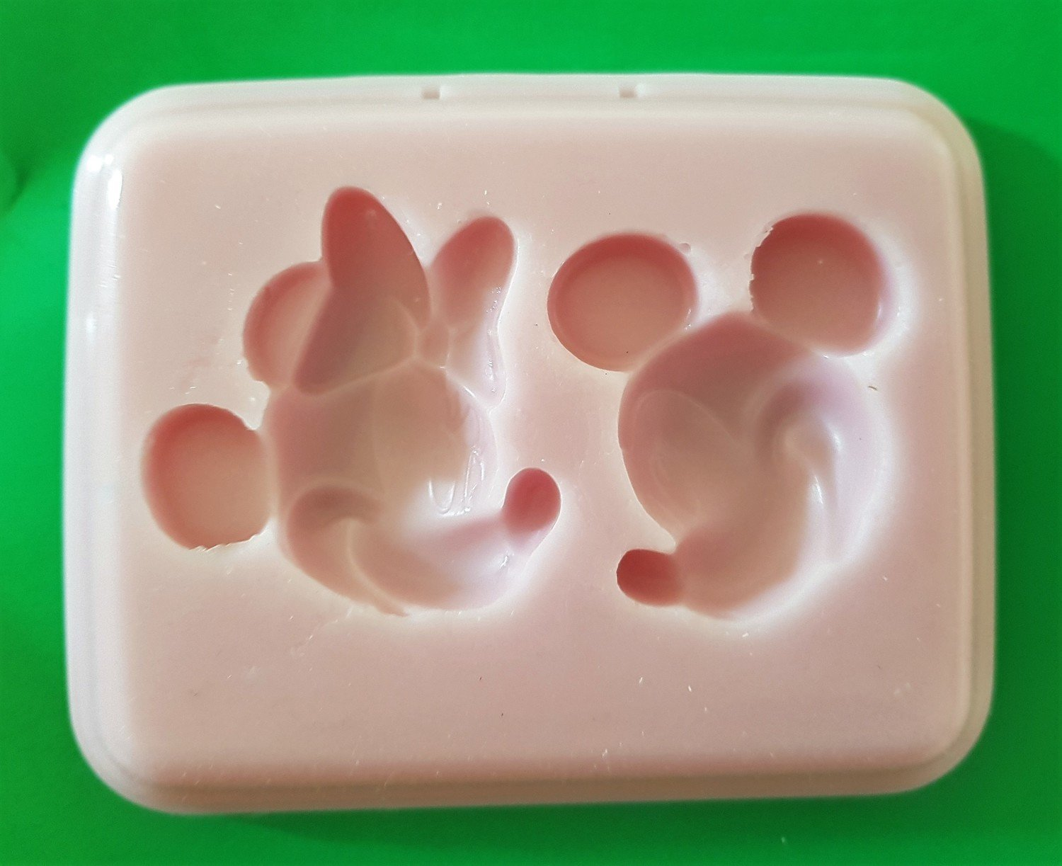 MICKEY AND MINNIE FACES SILICONE MOULD
