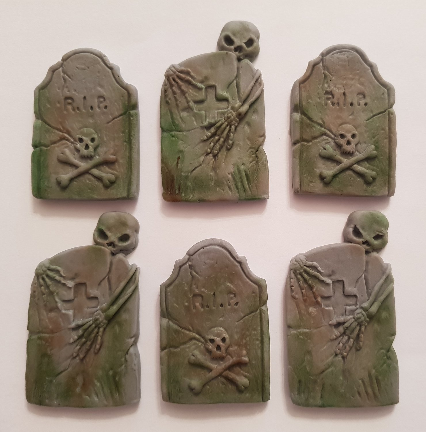 6 TOMBSTONES EDIBLE CAKE TOPPERS
