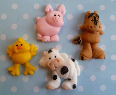 8 FARM ANIMALS EDIBLE CAKE TOPPERS
