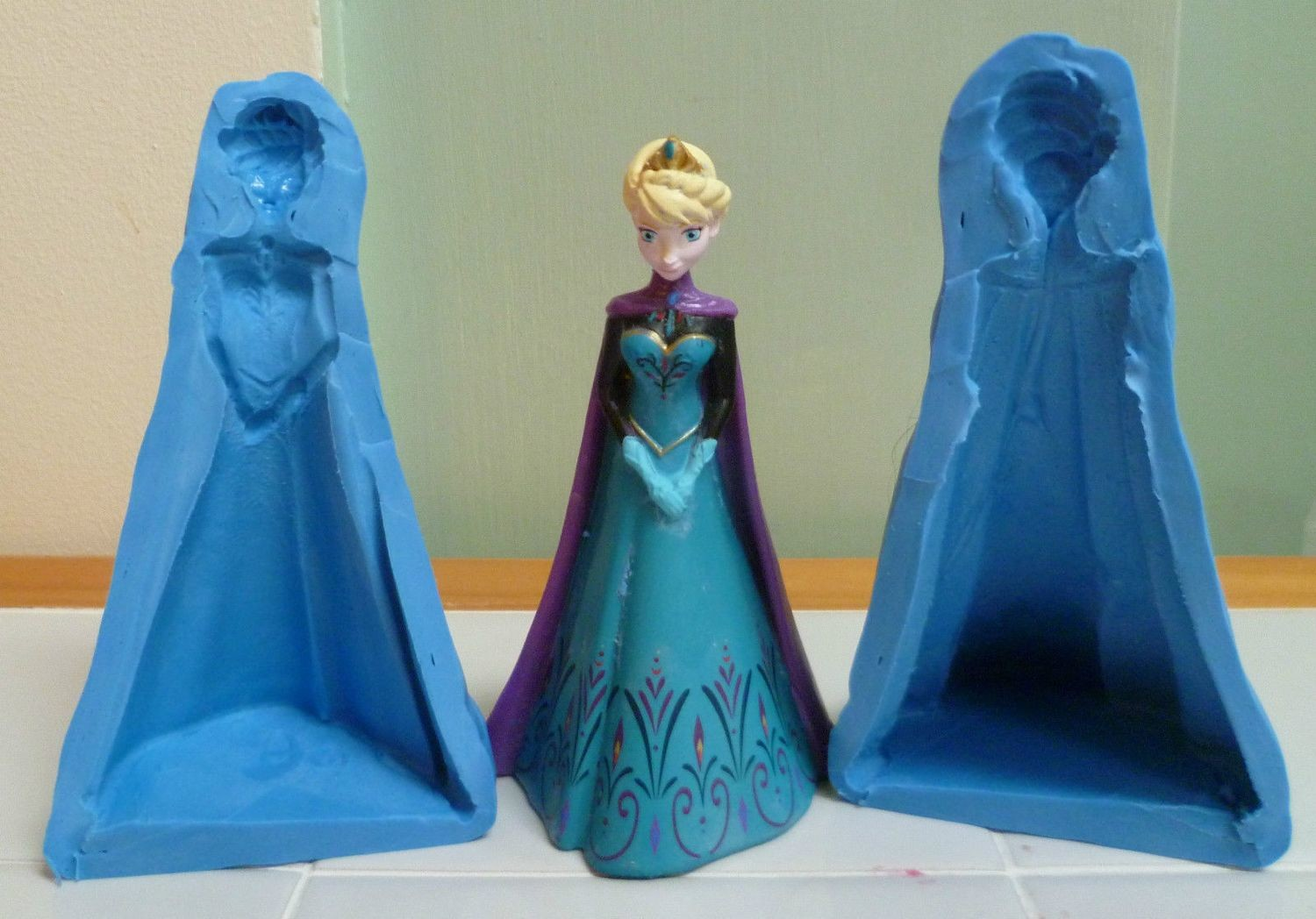 PRINCESS ELSA 001 3D SILICONE MOULD (POURABLE SILICONE)