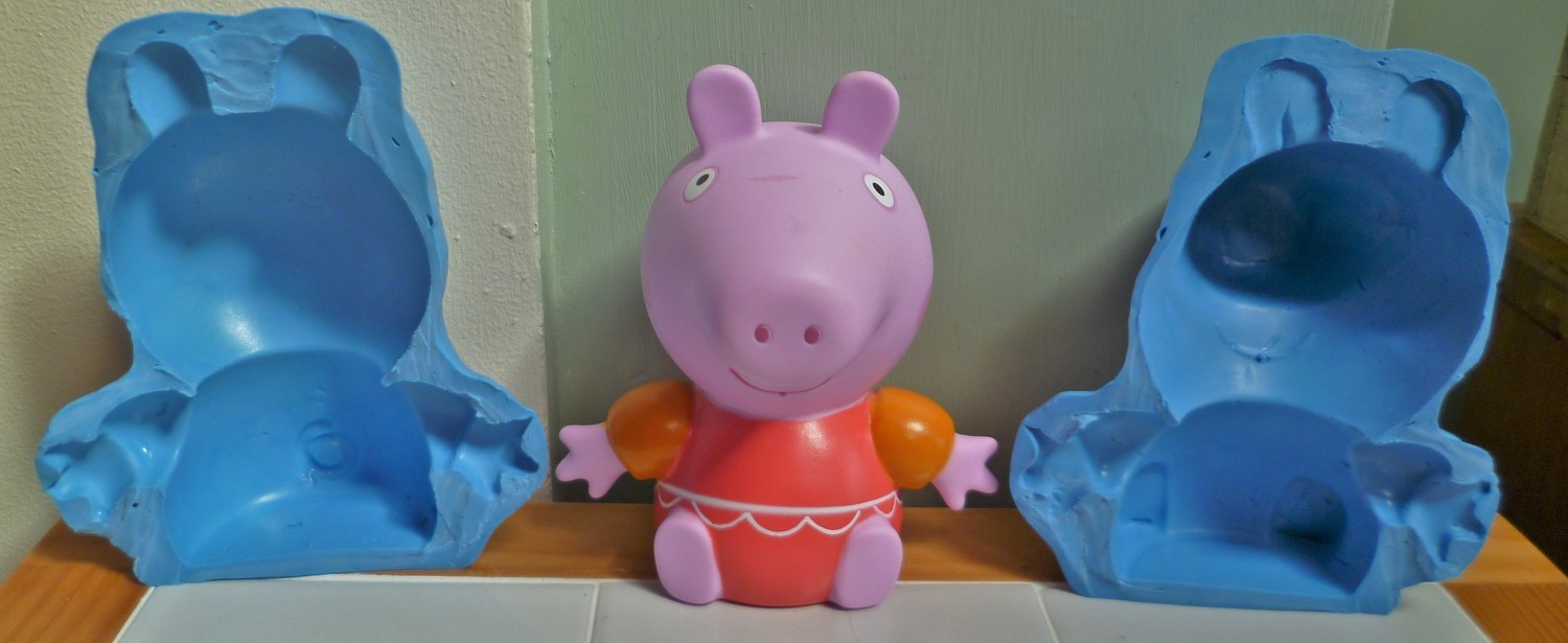 3D LARGE SWIMMING PEPPA PIG SILICONE MOULD